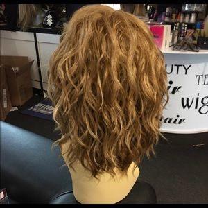 Accessories - Blonde wavy bob wig Swisslace Lacefront wig